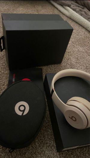 BEATS SOLO 3 HEADPHONES 🎧 for Sale in Bell Gardens, CA