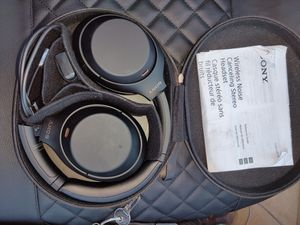 Sony WH-1000XM4 Wireless Noise-Canceling Headphones (WH1000XM4B) for Sale in Tucson, AZ