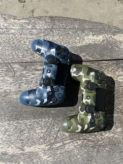 PS4 Dialoshock 4 Limited CAMO for Sale in Hawthorne,  CA