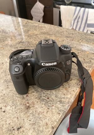 Canon 70D with Bag for Sale in Chicago, IL