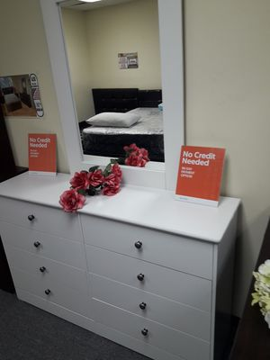 Amazing new dresser with mirror for Sale in Los Angeles, CA