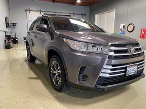 2019 Toyota Highlander for Sale in Costa Mesa, CA