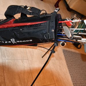Junior Golf Clubs N Bag for Sale in Kings Park, NY