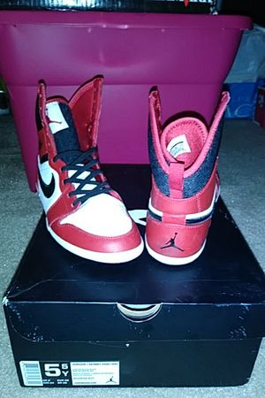 Jordan 1 Skinny High top 5.5Youth 7 Women for Sale in Orlando, FL