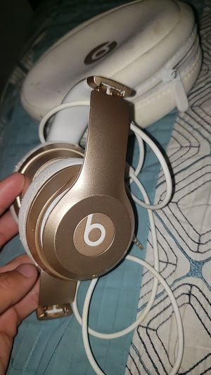 Beat solo 2's wireless for Sale in Inver Grove Heights, MN