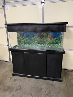 Beautiful 60 gal acrylic fish tank for sale (excellent condition) No leaks, no cracks, no scratches. Acrylic is 17 times stronger than glass for Sale in Arcadia, CA
