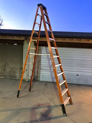 12' Werner Fiberglass a frame step ladder 300 pound rated Escalera 12 Pies $185 in Ontario 91762 for Sale in Montclair, CA