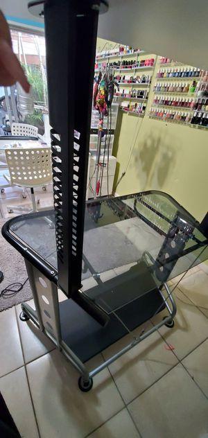 Mesa de computadora for Sale in Orlando, FL