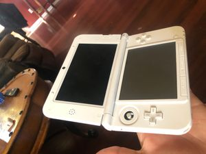 Pink Nintendo 3ds XL with MarioKart7 for Sale in East Los Angeles, CA