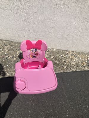 Minnie Mouse booster seat for Sale in Richmond, CA