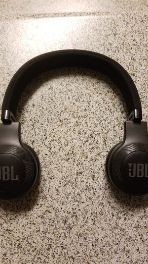 JBL Wireless Bluetooth Headphones for Sale in Clermont, FL