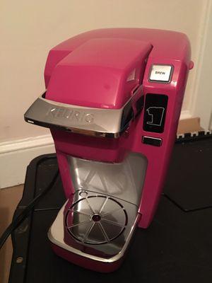Pink Keurig single cup coffee machine for Sale in Arlington, VA