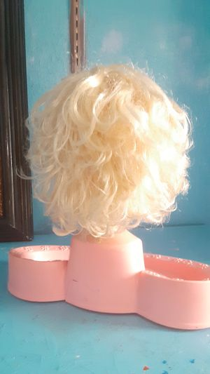 Vintage Barbie Head . Makeup not included. Terrific condition. for Sale in Mesquite, TX