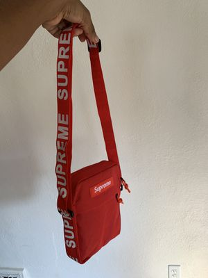 Supreme bag (60 or best offer ) for Sale in Overland, MO