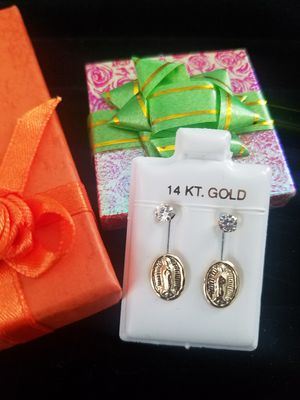 Real gold 14k ( Aretes de oro de 14k Italiano) for Sale in Manassas Park, VA