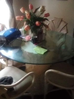 Round table with glass top for Sale in Fresno, CA