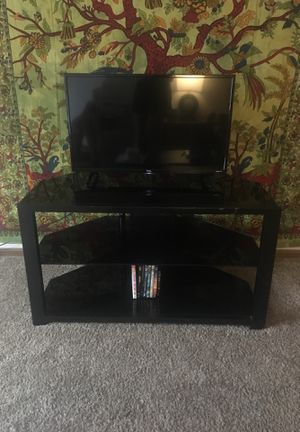 black glass TV stand for Sale in Westerville, OH