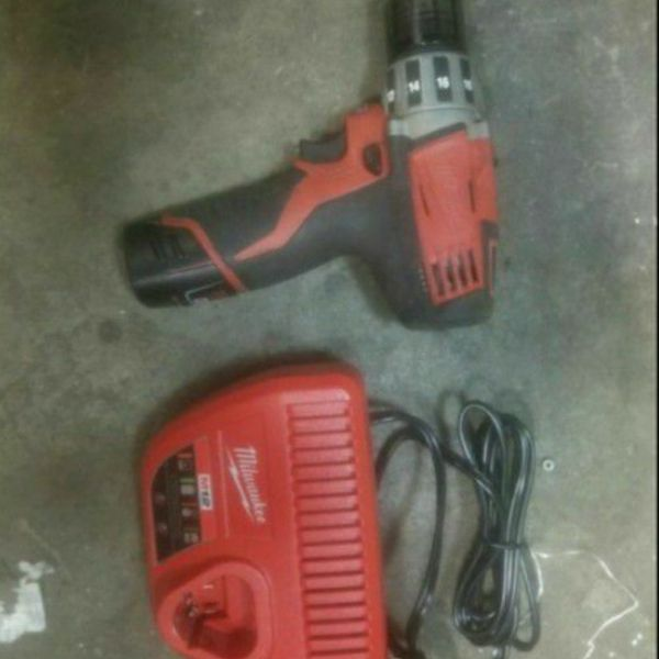 Milwaukee m12 drill battery and charger