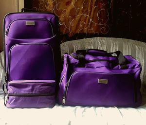 Saddlebreed 3-Piece ﹰSpinner Luggage Set (Purple) for Sale in Statesville, NC
