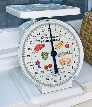 Vintage American Family Kitchen Scale for Sale in Cary, NC
