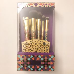 Tarte Makeup Brushes - Set of 5 for Sale in Pacifica, CA