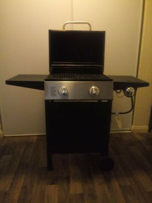 BBQ Grill with propane for Sale in Delano, CA