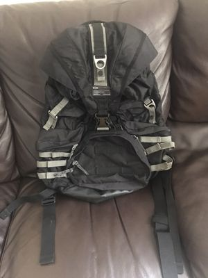 OAKLEY TACTICAL FIELD GEAR BACKPACK $100 EXCELLENT CONDITION (ORIGINALLY $175) for Sale in Hialeah, FL