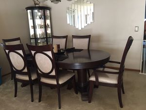 Dining Room table set with 6 chairs like New for Sale in Port Reading, NJ