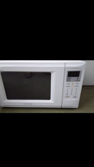 Microwave $25 firm on price for Sale in West Palm Beach, FL