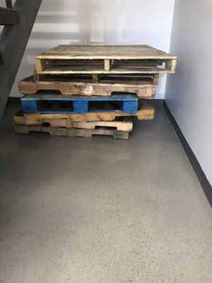 Free wooden pallets for Sale in Los Angeles, CA