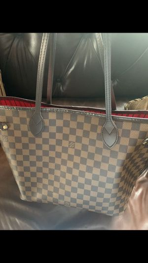 Louis Vuitton MM neverfull for Sale in Lexington, KY