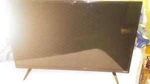 32in vizio smart tv repairable for Sale in Melvindale, MI
