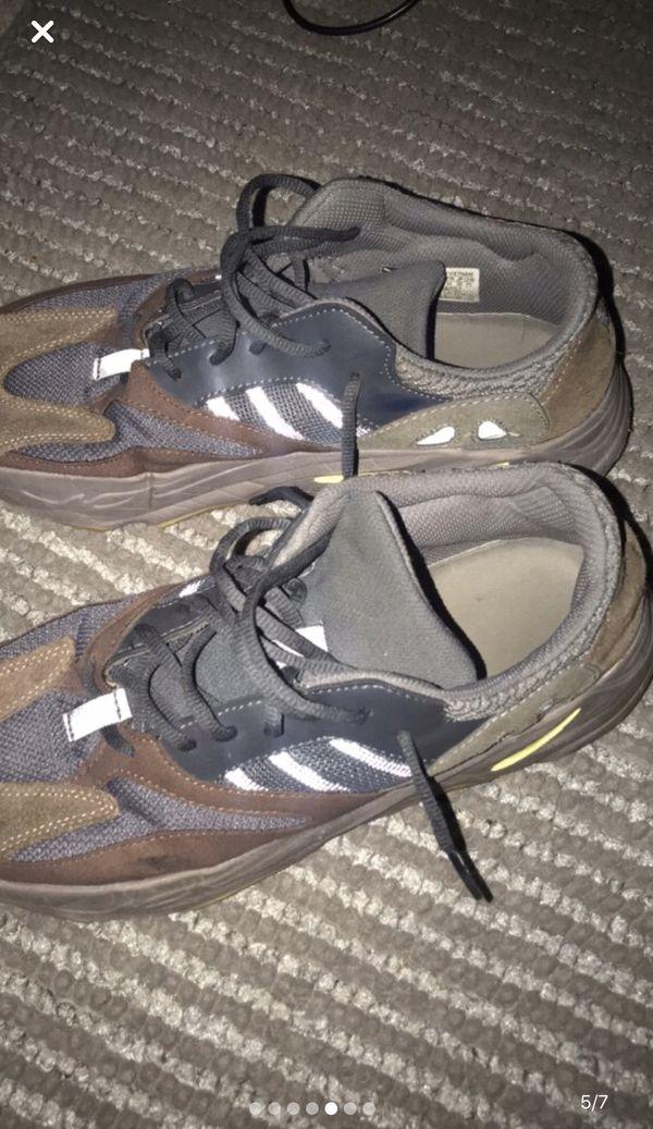 Adidas Yezzy Muaves 700 size 10