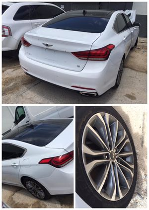 For parts parting out partes 2015 Hyundai Genesis door rim wheel trunk lid bumper quarter panel for Sale in Opa-locka, FL