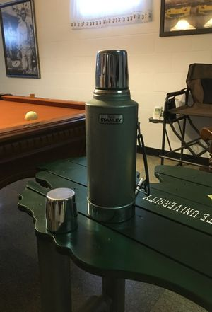 Used 2 quart thermos brand for Sale in Bay City, MI