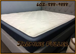 "King size 11"" Hybrid Mattress for Sale in Glendale, AZ"