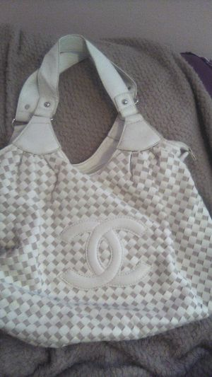 """Chanel Paris Authentic Rare Shoulder bag """"Brand New"""" for Sale in Marysville, WA"""
