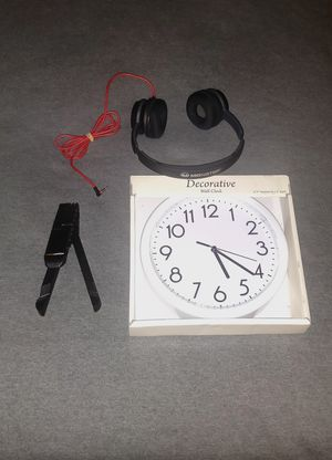 Monster headphone, wall clock, tablet stand, worth $70 for Sale in Hyattsville, MD