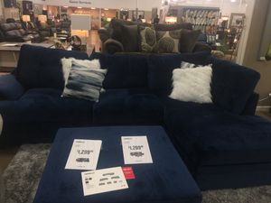 Blue Sectional with ottoman for Sale in Detroit, MI