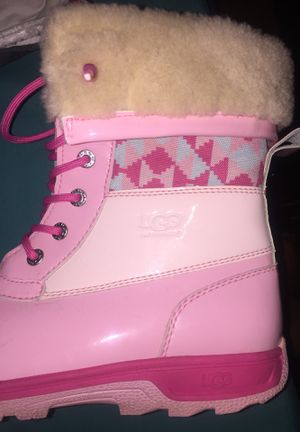 Ugg boots size 6 in women for Sale in Buffalo, NY