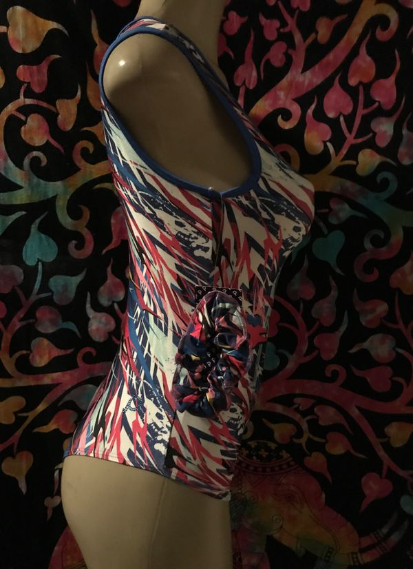 New bikini blue mix Color size large and comes with a hat