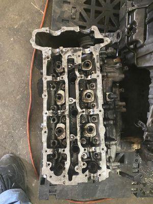 Mercedes sprinter dodge freightliner 2500 cylinder head short block piston oil pan intake manifold engine parts parting out 3.0 diesel for Sale in Opa-locka, FL