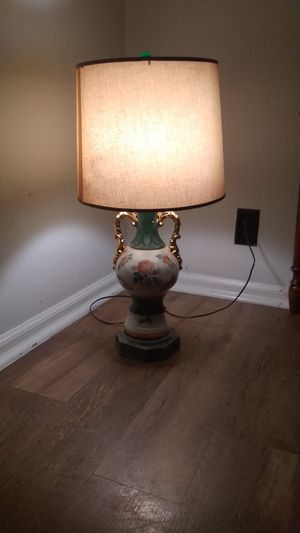 Vintage handpainted flowers gold table lamp light for Sale in McKeesport, PA