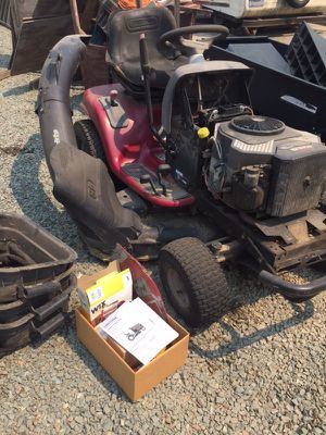 Riding lawn mower for Sale in Linden, CA