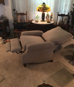 Recliner like new for Sale in West Seneca, NY