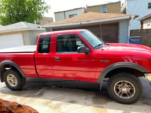 Ford Ranger 2000 XLT for Sale in Chicago, IL