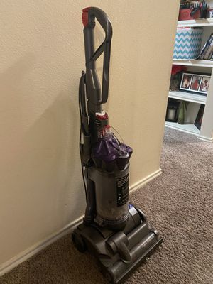 Dyson DC28 vacuum for Sale in Houston, TX