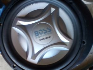 Boss audio systems onyx 1400wnx10fo dual 4 hms for Sale in Ontario, CA