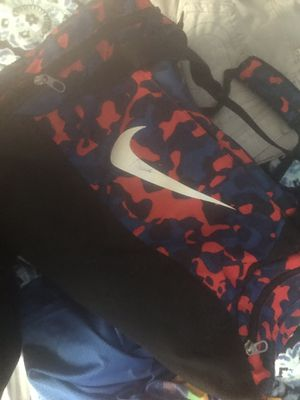 Nike duffle bag for Sale in Florissant, MO