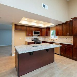 Custom kitchen cabinets. for Sale in Los Angeles, CA
